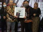 rektor-uhamka-raih-gelar-indonesia-academic-leader-tahun-2020.jpg