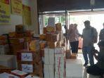 rendang-bantuan-warga-sumbar-untuk-korban-gempa-palu_20181004_140453.jpg