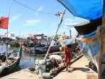 restorasi-kapal-di-kampung-nelayan-tambaklorok-semarang_20210730_152645.jpg
