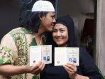 ria-irawan-dan-mayky-wongkar-seusai-menikah_20161223_215449.jpg