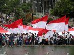 ribuan-massa-hadiri-aksi-kitaindonesia-di-bundaran-hi_20161204_211711.jpg