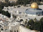ribuan-warga-muslim-palestina-memadati-masjid-al-aqsa_20180531_151512.jpg