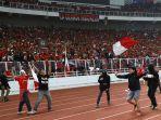 ricuh-suporter-saat-timnas-dikalahkan-malaysia_20190905_234453.jpg