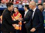 rivalitas-zidane-dan-simione.jpg