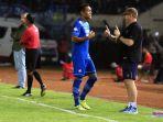 Omid Nazari Tinggalkan Persib Bandung, Robert Alberts Singgung Penggantinya di Piala Menpora 2021