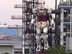 robot-gundam-raksasa-seberat-25-ton-yang-diujicoba-di-yokohama-jepang.jpg