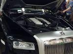 Mensos Akan Lelang Mobil Rolls-Royce Type Ghost 2012 Untuk Korban Bencana