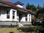 rumah-karya-soekarno-di-jalan-gatot-subroto-no-56-kota-bandung_20180723_185136.jpg