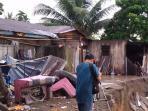 rumah-lenyap-kebanjiran_20151230_122552.jpg