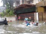 rumah-raja-dangdut-rhoma-irama-terendam-banjir.jpg