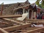 rumah-rusak-akibat-ledakan-bondet.jpg