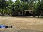 rumah-warga-di-desa-sukosewu-terisolasi-banjir-kamis-2222018_20180223_082812.jpg