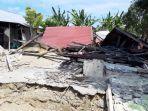 rumah-yang-ambruk-saat-gempa-bumi-di-halmahera.jpg
