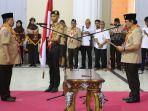 rusli-habibie-dilantik-sebagai-ketua-mabida-gerakan-pramuka-gorontalo_20180712_155840.jpg