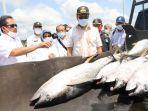 sakti-wahyu-trenggono-meminta-nelayan-tuna-untuk-menjaga-kualitas.jpg