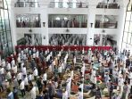 salat-idul-adha-di-masjid-agung-saat-pandemi-covid-19_20200731_163051.jpg