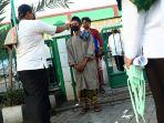 salat-idul-fitri-di-tengah-pandemi-covid-19-di-masjid-al-istiqom_20200524_183054.jpg