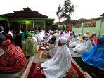 salat-idul-fitri-di-tengah-pandemi-covid-19-di-masjid-nashrulloh_20200525_093909.jpg