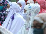 salat-idul-fitri-di-tengah-pandemi-covid-19-di-masjid-nashrulloh_20200525_093954.jpg