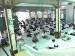salat-jumat-di-masjid-agung-sunda-kelapa-menteng-era-new-normal_20200605_151220.jpg
