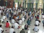 salat-jumat-perdana-di-masjid-al-azhom-tangerang_20200612_142600.jpg