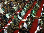 salat-tarawih-pertama-di-masjid-raya-bandung_20190506_000958.jpg