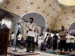 salat-tarawih-pertama-di-masjid-raya-makassar_20210413_011630.jpg