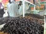 sama-nama-beda-rasa-di-pasar-kurma-madinah_20150902_102330.jpg