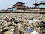 sampah-plastik-cemari-laut-jakarta_20190731_181951.jpg