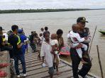 satgas-terpadu-kemanusian-mengevakuasi-14-orang-penderita-gizi-buruk-dan-campak_20180119_185052.jpg