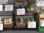 sayur-buah-dijual-depan-konbini-lawson-di-kanagawa-jepang.jpg