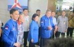 sby-didampingi-ibu-ani-yudhoyono-dan-ibas_20141212_114815.jpg