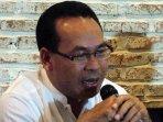 sebastian-salang-pembicara-diskusi-setya-novanto-mundurlah_20151201_110147.jpg