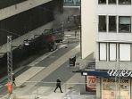 sebuah-minibus-menabrak-sekelompok-orang-di-depan-pusat-perbelanjaan-ahlen_20170408_031731.jpg