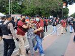 30 Mahasiswa PMKRI Diamankan Polisi Saat Aksi May Day di Bundaran Patung Kuda