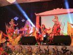 sejumlah-mahasiswa-pogram-beasiswa-seni-budaya-indonesia_20170818_234233.jpg