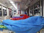 sejumlah-pasien-covid-19-menjalani-perawatan-di-emergency-medical-train.jpg