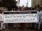 sekelompok-aktivis-di-karachi-pakistan-menuntut-pemimpin-korup-terkait-dokumen-panama-papers_20170519_121010.jpg