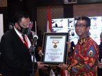 sekretariat-presiden-menerima-penghargaan-dari-museum-rekor-dunia-indonesia.jpg