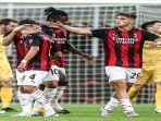 selebrasi-lorenzo-colombo-ketika-mencetak-gol-debut-bagi-ac-milan.jpg