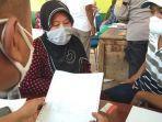 seorang-ibu-rumah-tangga-asal-desa-sawaran-kulon-kecamatan-kedungjajang.jpg