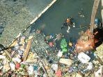 seorang-pria-ditemukan-mengambang-di-sungai-berok.jpg