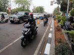 sepeda-motor-gunakan-jalur-sepeda_20191125_192040.jpg