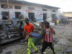 serangan-bom-truk-di-dekat-nasa-hablod-hotel-di-mogadishu_20171029_160633.jpg