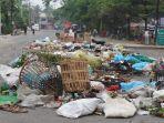 serangan-sampah-taktik-baru-demonstran-antikudeta-junta-myanmar.jpg