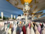 shalat-idul-adha-1441-h-di-masjid-raya-baiturrahman-banda-aceh_20200802_205815.jpg