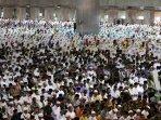 shalat-idul-fitri-di-masjid-istiqlal_20150717_101252.jpg