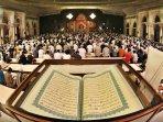 shalat-malam-beristigfar-dan-tadarus-al-quran_20150710_160224.jpg