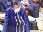 shinzo-abe-pakai-masker-nih3.jpg