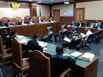 sidang-perdana-kasus-korupsi-jiwasraya-hadirkan-enam-terdakwa_20200603_200403.jpg
